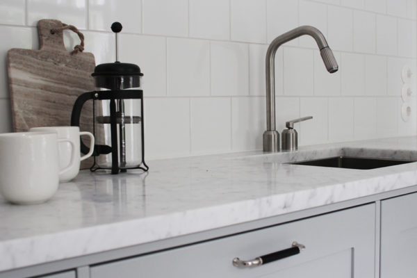 Aito marmoritaso Pihkala-blogin Maijan keittiössä